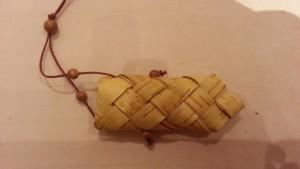 ビーズの飾りと紐付きです